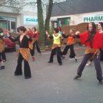 Carnaval de Pellouailles : Animation danse africaine, à Angers, en Maine-et-Loire