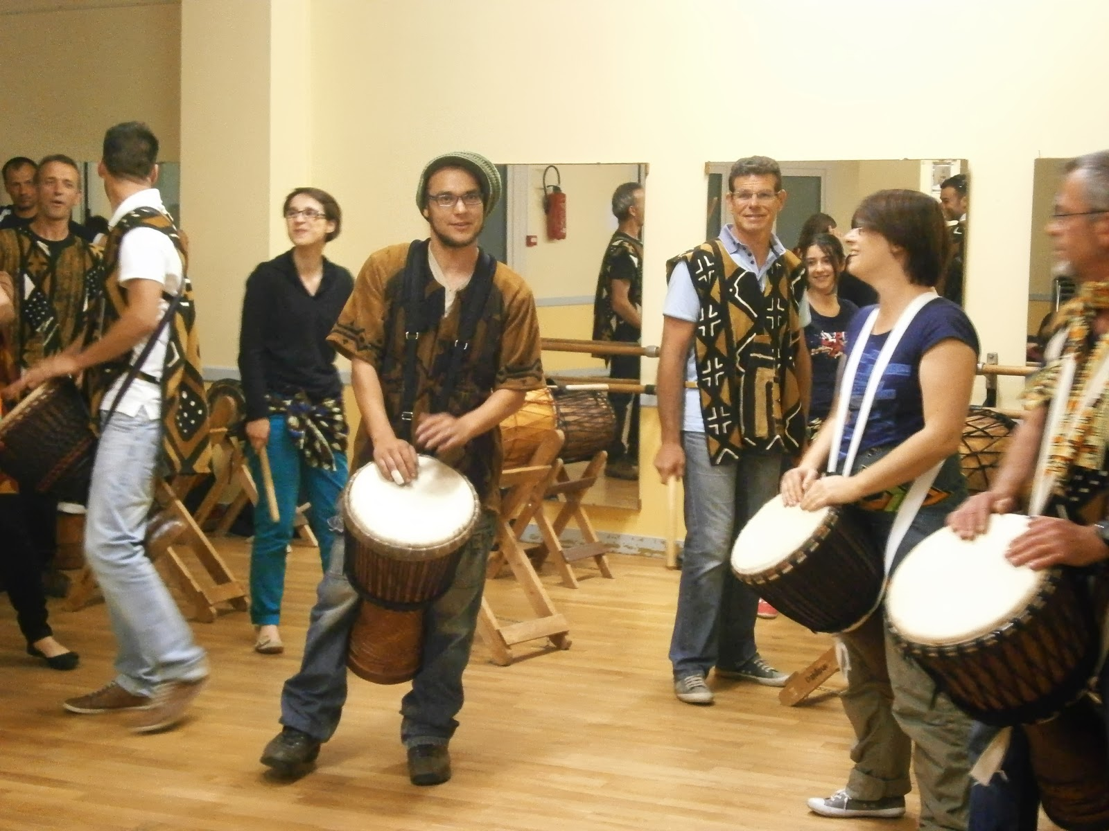 spectacle de percussions africaines à Briollay, Maine-et-Loire